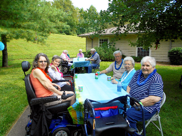 Crown Cypress Assisted Living - Activities - picnic